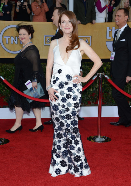 More Pics of Julianne Moore Evening Dress (1 of 13) - Julianne Moore Lookbook - StyleBistro