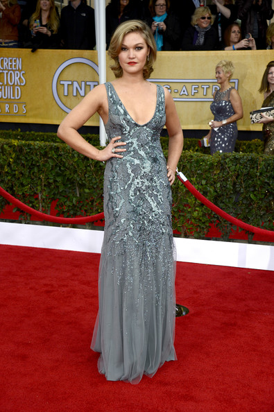 Julia Stiles Wore Amen Couture at the 2013 SAG Awards