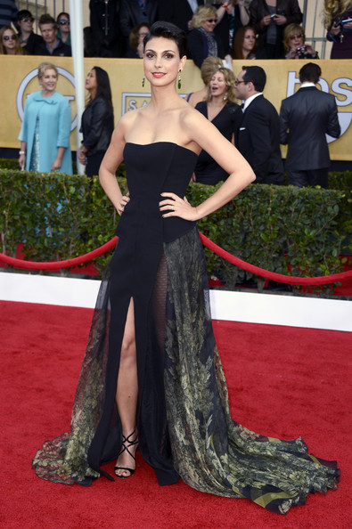 Morena Baccarin Wore a Strapless Black and Gold Gown at the 2013 SAG Awards