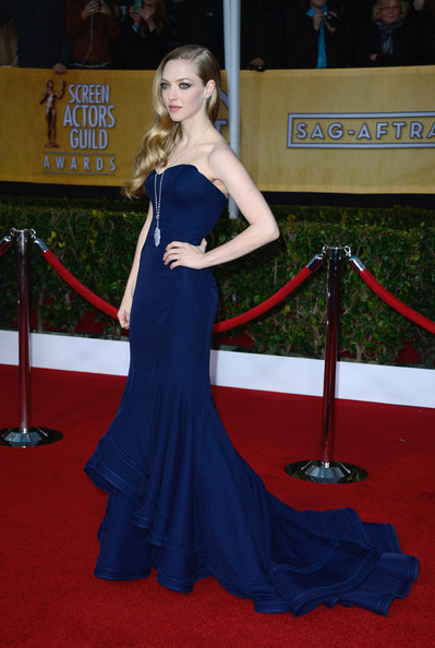More Pics of Amanda Seyfried Mermaid Gown (3 of 13) - Amanda Seyfried Lookbook - StyleBistro