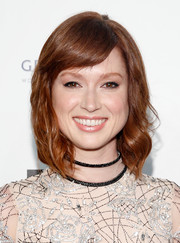 Ellie Kemper looked sweet with her short waves and side-swept bangs at the 2015 Webby Awards.