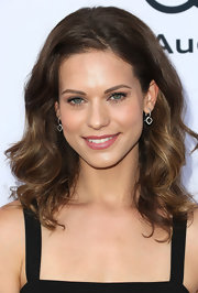 Lyndsy Fonseca was a stunner at the Children Mending Hearts Style Sunday with this high-volume wavy 'do.