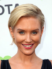 Nicky Whelan looked cute with her short side-parted 'do at the Environmental Media Association Gala.