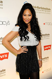 Kimora Lee went for ultra high volume at the Emery Awards. She gave her flowing curls some major lift with a voluminous bouffant.