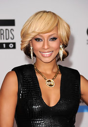 Keri Hilson donned an anti boy gold and diamond chain necklace, while attending the AMAs.