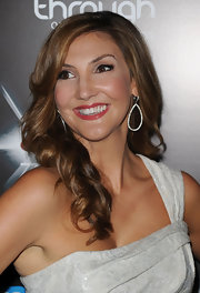 Heather showed off her side swept curls while hitting the Breakthrough Awards.