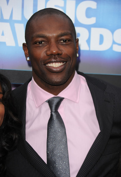 More Pics of Terrell Owens Diamond Studs (1 of 3) - Terrell Owens Lookbook - StyleBistro