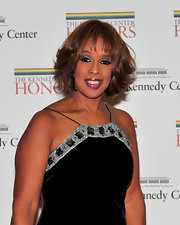 Gayle King showed off soft curls and blunt cut bangs while attending the Kennedy Center Honors.
