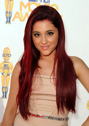 Ariana Grande rocked long straight locks to the 2010 MTV Movie Awards.