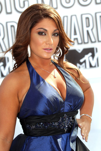 At the MTV Video Music Awards, Deena Nicole proved that diamond lip piercings are a girl's best friend.