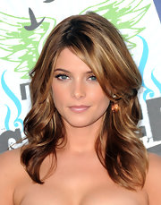 Ashley Greene showed off shimmering nude gloss at the 2010 Teen Choice Awards.