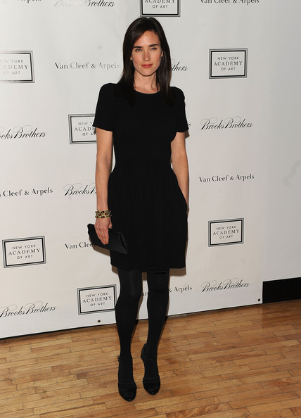The actress wore an all black ensemble and carried a classic black satin clutch. Kinda boring, don't you think?