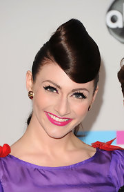 Amy Heidemann wore a modern interpretation of 1940s-inspired rolled bangs at the 2011 American Music Awards.