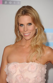 Cheryl Hines wore a soft, baby pink high-shine lipstick at the 2011 American Music Awards.