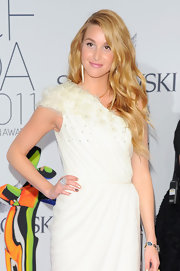 Whitney Port looked stunning and elegant at the 2011 CFDA awards. She donned an ivory gown that she paired with wavy blond locks.