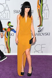 Leigh Lezark matched her raven tresses and envelope clutch to her black platform pumps at the 2011 CFDA Awards.