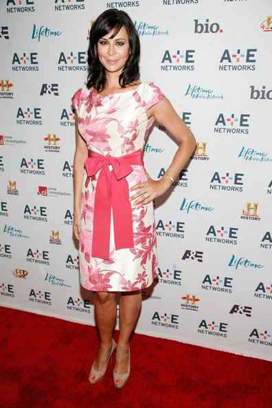 More Pics of Catherine Bell Medium Wavy Cut with Bangs (1 of 4) - Catherine Bell Lookbook - StyleBistro