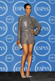 Kerry Washington matched the sparkle of her stunning sequined mini with a glam metal minaudière with ton-sur-ton leather detailing at the ESPYS.