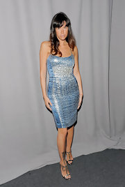Pas de la Huerta donned metallic pewter pumps with her sequined blue dress at the 2011 FiFi awards.