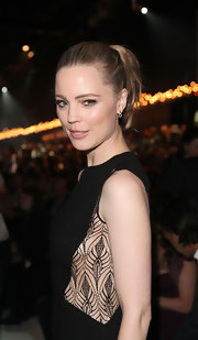 Melissa George pulled her locks back in a polished ponytail for the Melbourne Fashion Festival.