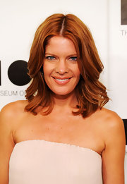 Michelle Stafford wore her pretty, coppery locks in subtle waves at the 2011 MOCA Gala.