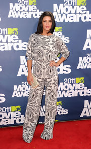 Jessica Szohr was jumpin' at the MTV Movie Awards in a paisley print black-and-white jumpsuit.