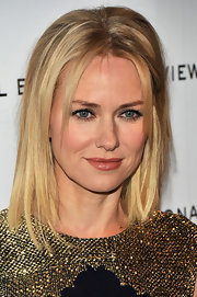 Naomi Watts wore her hair pin-straight with lots of volume in the crown at the 2011 National Board of Review Awards Gala.