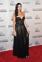 Liv Tyler was stunning at the NYC ballet gala in a daring black evening gown. The intricate sheer bodice with the pleated skirt was a perfect combination on the pretty starlet.