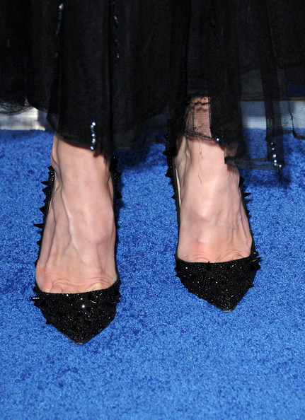 More Pics of Cat Deeley Evening Pumps (5 of 10) - Heels Lookbook - StyleBistro [footwear,leg,human leg,shoe,ankle,high heels,joint,fashion,human body,foot,arrivals,cat deeley,peoples choice awards,tv personality,fashion detail,california,los angeles,nokia theatre l.a. live]