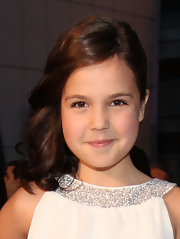 Bailee Madison had her locks curled and side swept at the People's Choice Awards.