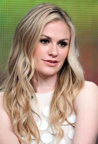 More Pics of Anna Paquin Long Wavy Cut (1 of 45) - Anna Paquin Lookbook - StyleBistro