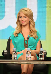 Britt Robertson jazzed up her outfit at the 2011 Summer TCA Tour with these layered chainlink necklaces.