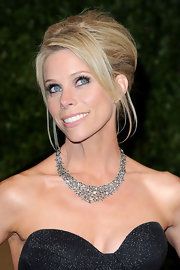 Cheryl Hines wore a gleaming diamond neckalce to the 2011 Vanity Fair Oscar party.