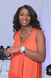 Toccara Jones wore a double strand Chanel pearl necklace at the BET Awards event.