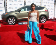 Regina King brightened up the 2012 BET Awards with her billowy turquoise silk pants.