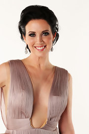 Shawna Thompson exuded Old Hollywood glamour with this elegant updo at the 2012 CMT Music Awards.