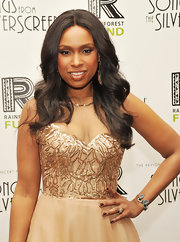 Jennifer Hudson attended the 2012 Concert for the Rainforest Fund wearing dark burgundy nail polish.