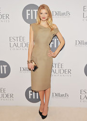 Lily Donaldson looked flawless at the FIT Educational Development benefit in this ecru off-the-shoulder number.