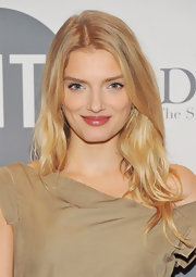 Lily Donaldson was glowing at the 2012 FIT Educational Development Fund Benefit Gala wearing soft natural shades of makeup and her hair in long tousled layers.