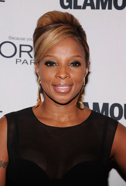 More Pics of Mary J. Blige Little Black Dress (1 of 3) - Mary J. Blige Lookbook - StyleBistro