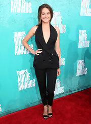 It's the MTV Movie Awards, so why not wear a tailored Stella McCartney hourglass jacket open down to the navel? It's the perfect place for Shailene Woodley to take chances with a pantsuit, and this one paid off big.