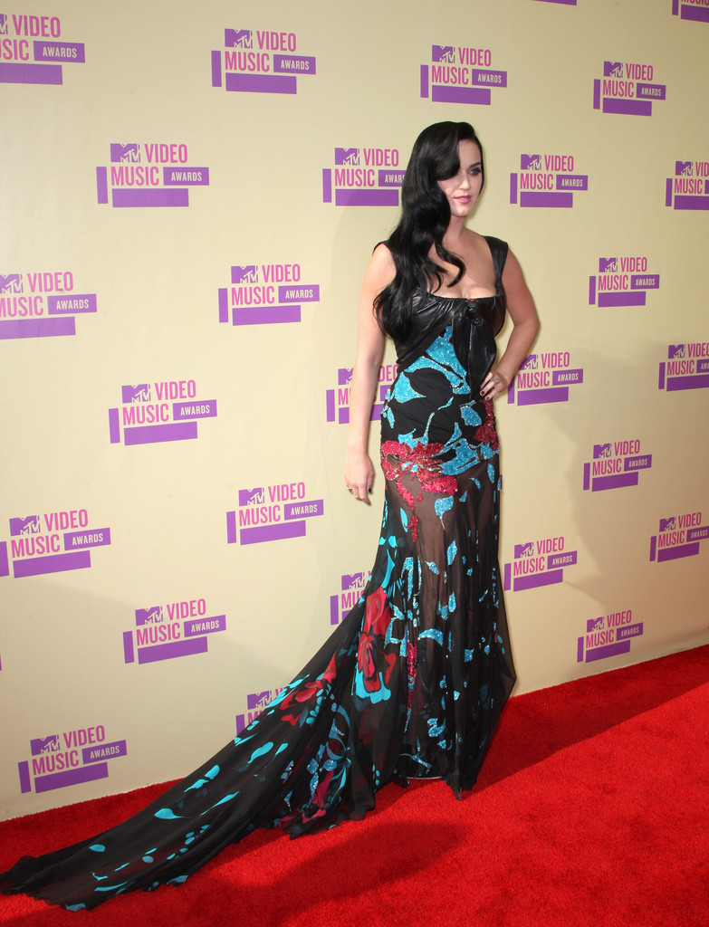 Singer Katy Perry arrives at the 2012 MTV Video Music Awards at Staples Center on September 6, 2012 in Los Angeles, California.