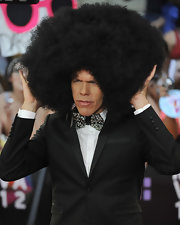 Perez Hilton wore a humongous afro wig to the 2012 MuchMusic Video Awards.