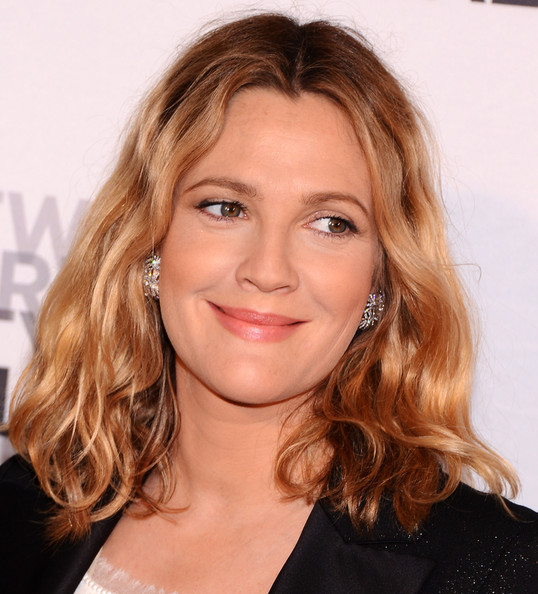 More Pics of Drew Barrymore Medium Wavy Cut (4 of 6) - Drew Barrymore Lookbook - StyleBistro