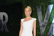 Actress Gwyneth Paltrow arrives at the 2012 Vanity Fair Oscar Party hosted by Graydon Carter at Sunset Tower on February 26, 2012 in West Hollywood, California.