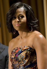 Michelle Obama looked ultra-sophisticated at the 2012 White House Correspondents' Association Dinner with this feathered flip.