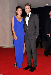 Matthew Morrison's date, Rennee Puente looked lovely in royal blue for the White House Correspondents' Dinner.