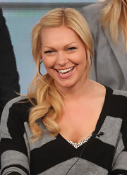 While speaking onstage during the 2012 Winter TCA Tour, Laura Prepon wore her hair in a sweet side ponytail.