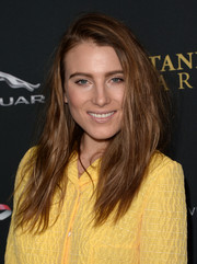 Dree Hemingway wore her hair with a deep side part and tousled layers when she attended the BAFTA LA Britannia Awards.