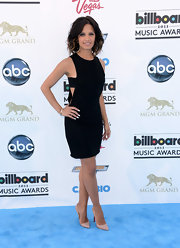 Rocsi Diaz's LBD had a cool side cutout for an added modern touch at the 2013 Billboard Music Awards.